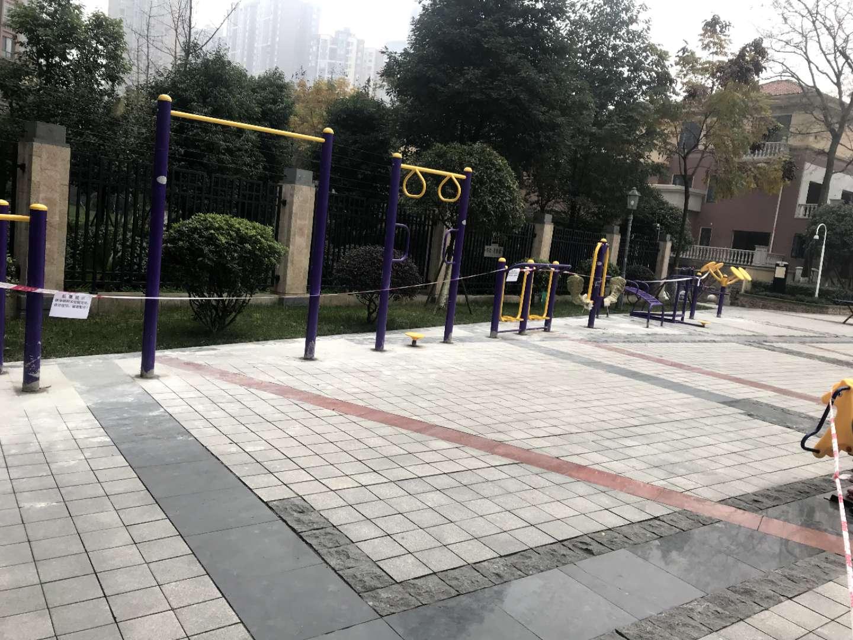 title='郫都区中铁奥维尔一期健身器材安装完毕'