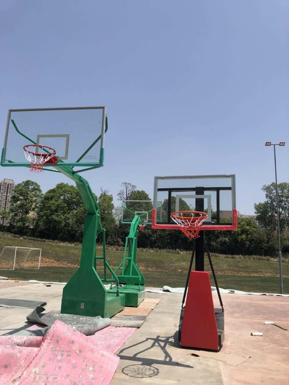 title='龙泉驿区成都经开科技产业孵化有限公司篮球架供货完毕'